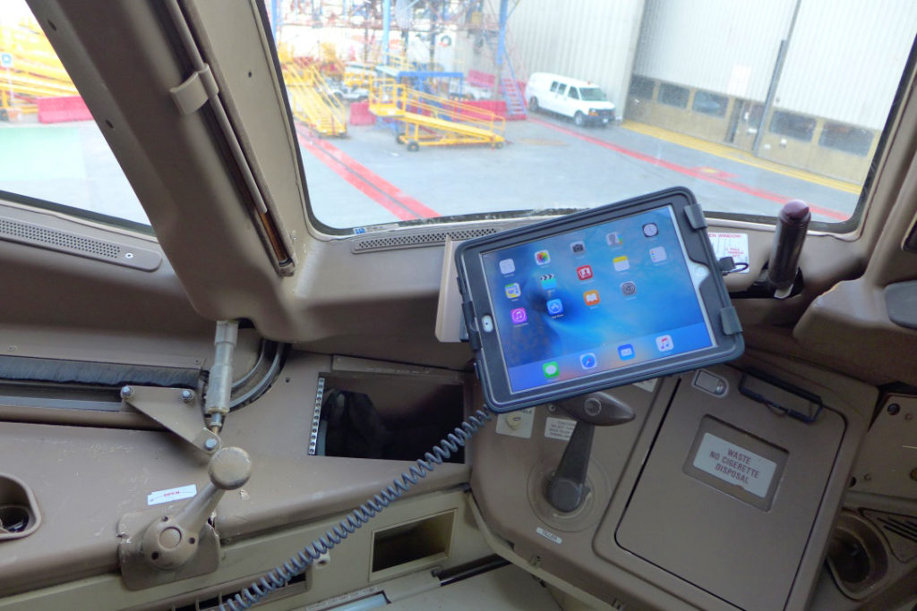 A330 EFB iPad with IPS